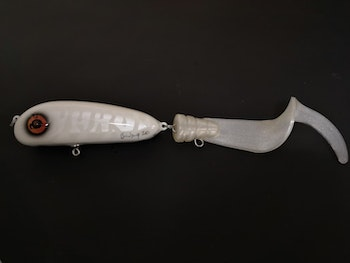 White ghost pike