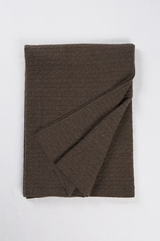 PETRA. Cashmere blanket in 100% cashmere. Mid brown