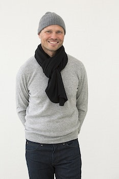 ALEX. Cashmere scarf in 100% cashmere. Black