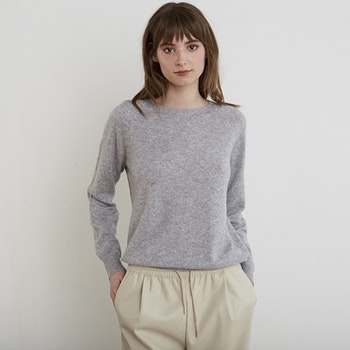 MAJA. College sweater in cashmere. Light grey.