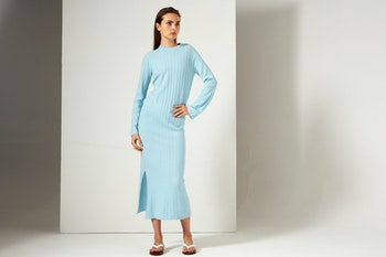 NICOLA. Full length dress with slit. Turquoise blue.