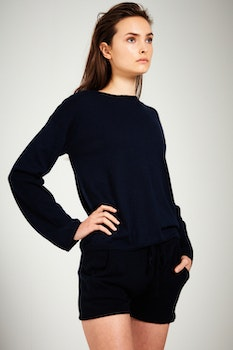 ELENE. Fine knit sweater in an oversized style. Navy blue.