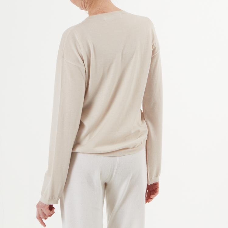 ELENE. Finstickad oversized tröja. Nude.