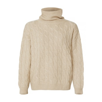 GABBI. Cable knit sweater in triple thread yarn. Beige.