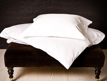 VIKEN Egyptian cotton duvet cover set for single bed.